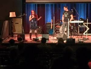 Postdoc Katie Wallin-Miller presented at NogginFest — part-research presentation, part art show, part benefit concert for NW Noggin — a non-profit that brings neuroscience to the masses.