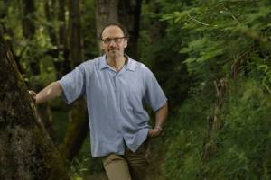 Claudio Mello, M.D., Ph.D., professor of behavioral neuroscience in the School of Medicine at Oregon Health & Science University